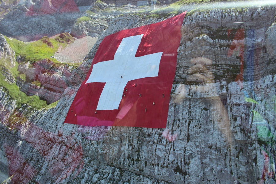 Swiss regulator approve banking license for crypto banks; updated KYC AML rules follow