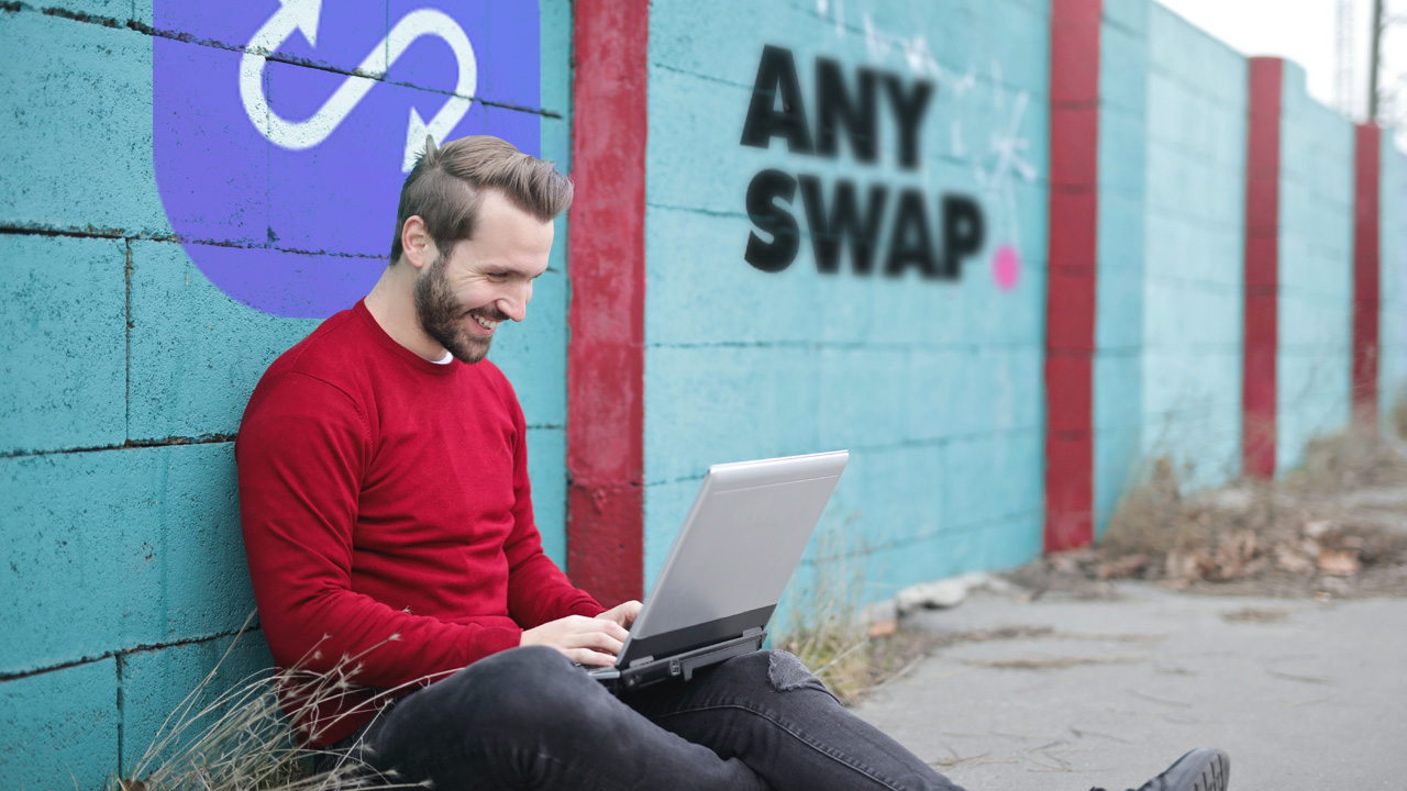 Anyswap guy with laptop