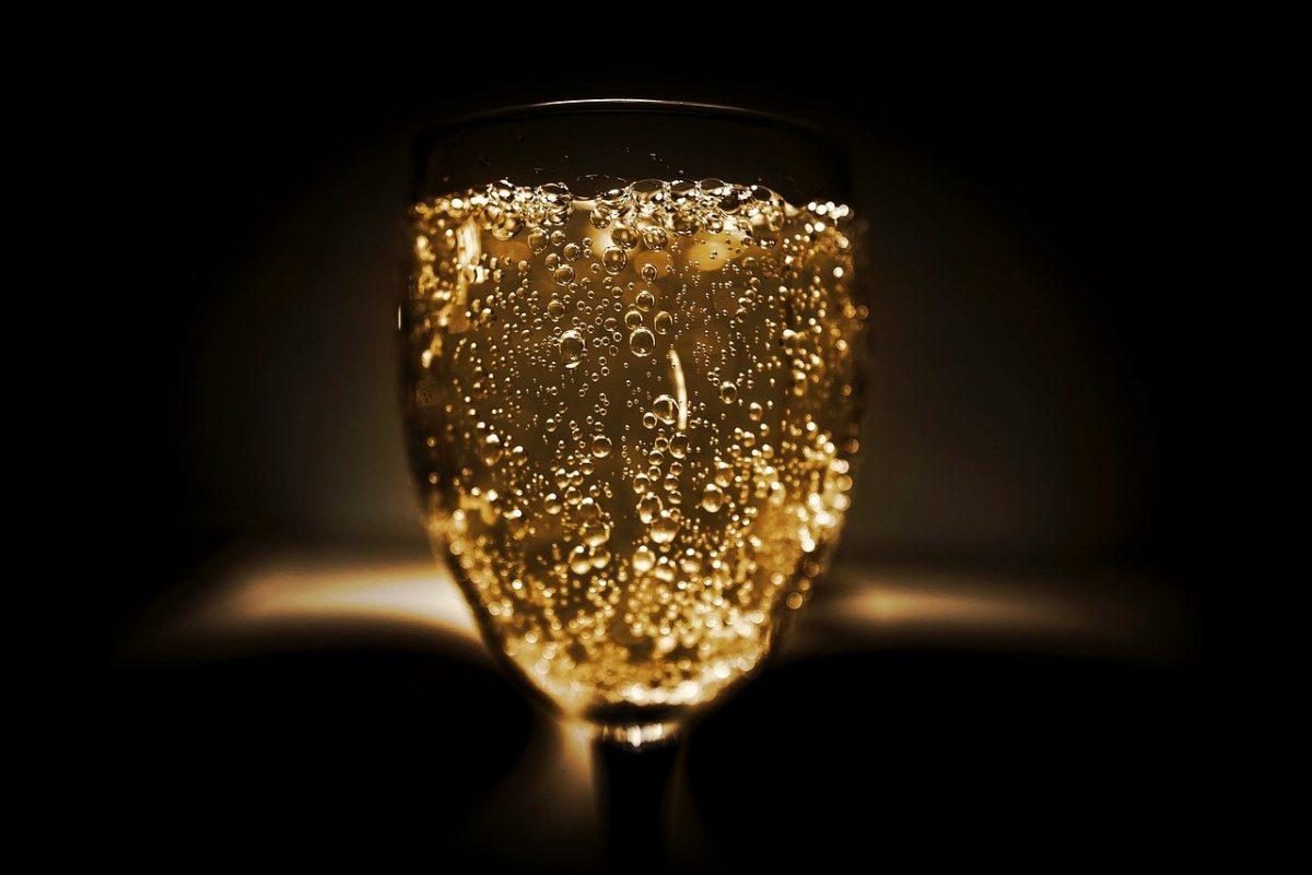Injective запускает синтетические товары из золота в тестовой сети Solistice